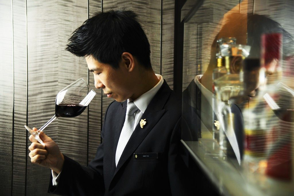 professione sommelier-sommelier-image
