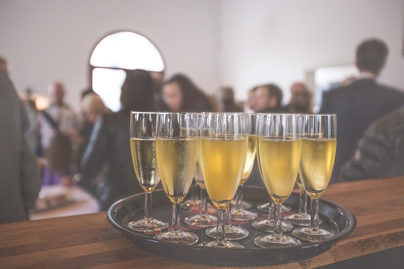 vino spumante - bicchieri