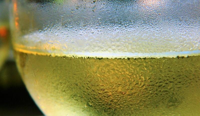 professione sommelier-vino-bianco