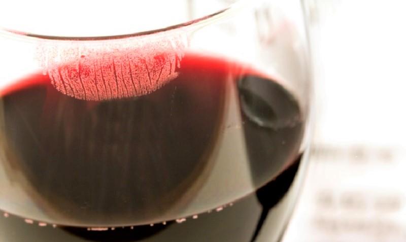 donne sommelier-wine-glass
