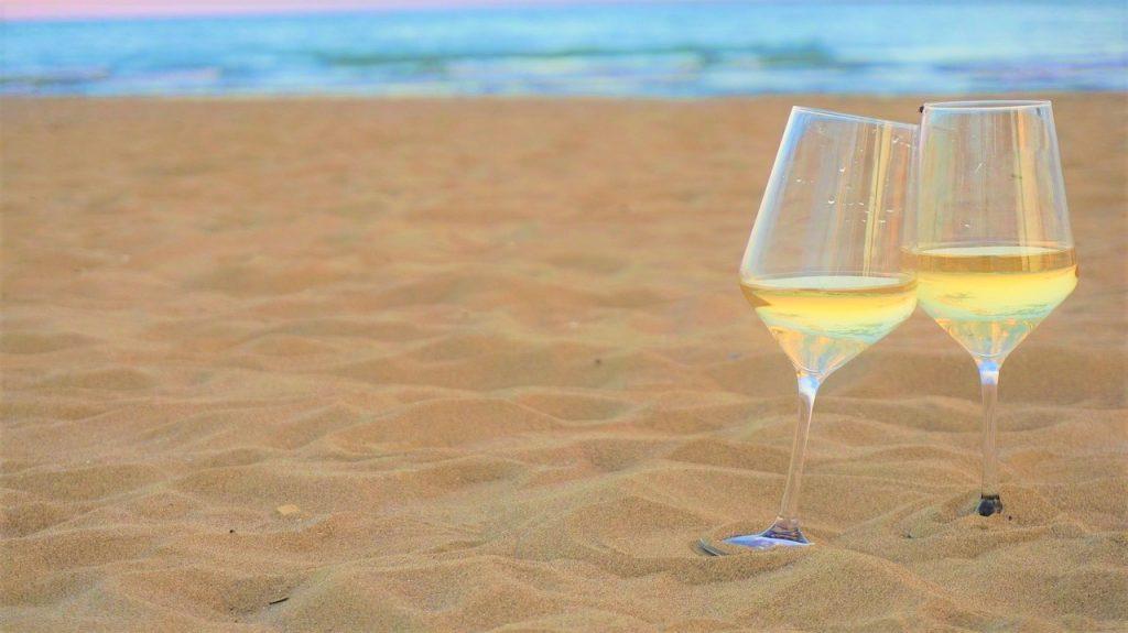 scirocco wine fest-spiaggia-degustazione