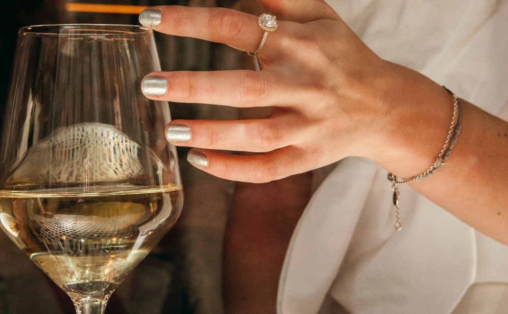 scelta del vino mezzo-bicchiere